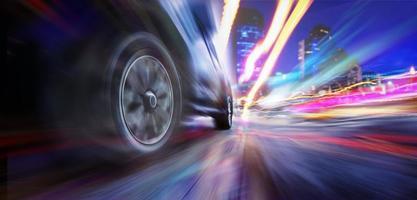snelheidsovertredingen super auto op de stad foto