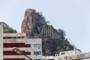 inhanga-mondstuk, gelegen in Copacabana, Rio de Janeiro, Brazilië foto
