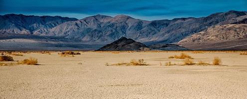 Death Valley National Park op zonnige dag foto