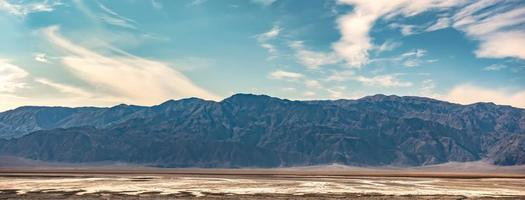 zonsopgang in death valley californië woestijn foto