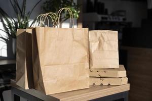 vooraanzicht verpakt eten bereid afhaalmaaltijden foto