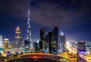 skyline van het centrum van dubai foto