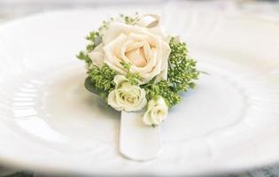 boeket rozen en bloemen gebruikt voor een bruiloft foto