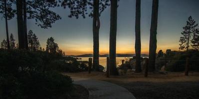 meer tahoe zonsondergang landschap nevada kant foto