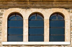 abstract oud gebouw huizen ramen foto