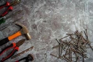 verschillende handgereedschappen, concept van de dag van de arbeid. foto