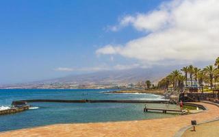 promenade aan de Atlantische Oceaan bij Tenerife, op de Canarische Eilanden, 2014 foto