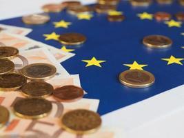 eurobankbiljetten en -munten, europese unie, over vlag foto