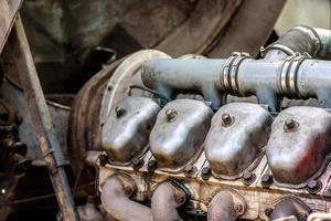 reparatie van cilinders van verbrandingsmotoren van vrachtwagens foto