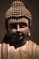 verre oosten religie symbool boeddha beeldhouwkunst foto
