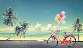 vintage fiets met ballon foto