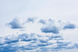 dramatische storm hemelachtergrond. het kan als achtergrond worden gebruikt foto