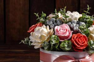 boeket prachtige felroze bloemen foto