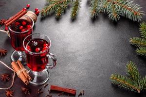 warme glühwein voor winter en kerst foto