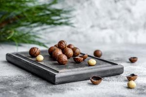 verschillende soorten noten tegen de achtergrond foto