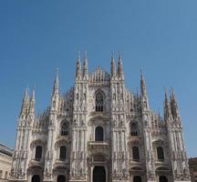 duomo betekent kathedraal in Milaan foto