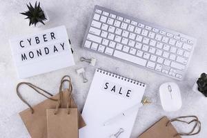 bovenaanzicht cyber maandag arrangement foto