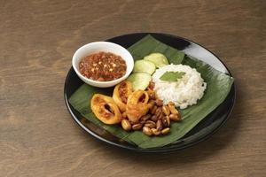 traditionele nasi-lemakmaaltijd foto