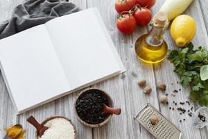 bovenaanzicht receptenboek stilleven concept foto