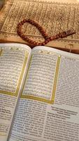 foto's van de koran en gebedskralen, deze foto's foto