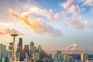 uitzicht op de skyline van de binnenstad van Seattle foto