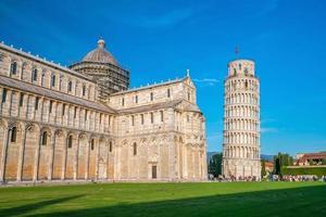 pisa kathedraal en de scheve toren foto