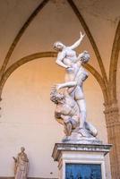 sculptuur op piazza della signoria in florence foto