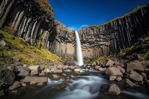 svartifoss in ijsland foto