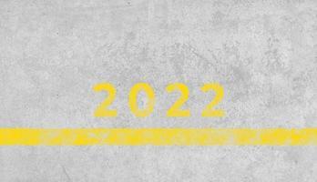 2022 nummer geschilderd op grunge betonnen achtergrond foto