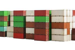 stapel containers vracht op witte achtergrond met uitknippad foto