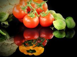 gezonde, sappige en verse tomatengroente foto
