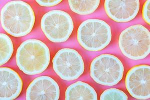 verzameling van verse gele citroenen schijfje foto