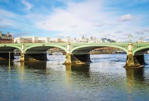 westminster bridge in londen foto