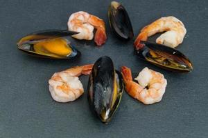 mosselen en garnalen geliefde zeevruchten foto