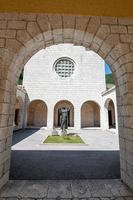 santuario di santa rita agostiniana standbeeld foto