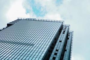 wolkenkrabber en toren van zakencentrum, bedrijfsconcept. foto