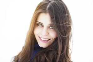 portret van een gelukkig en mooi meisje foto
