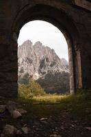 het prachtige bergboslandschap foto