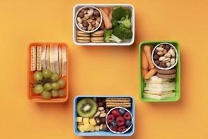 gezonde voeding dozen arrangement bovenaanzicht foto