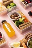 het assortiment gezonde voedingboxen foto