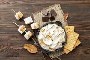 de smakelijke mores-dessertsamenstelling foto