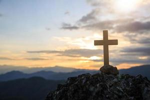 Jezus Christus kruis. Pasen, opstandingsconcept. foto