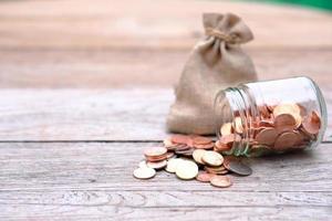 geld besparen en bedrijfsgroeiconcept foto
