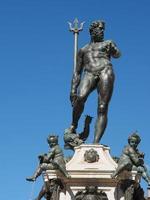 Fontana del Nettuno Neptunusfontein in Bologna foto