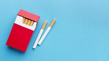 sigaretten inpakken met kopieerruimte. resolutie en mooie foto van hoge kwaliteit