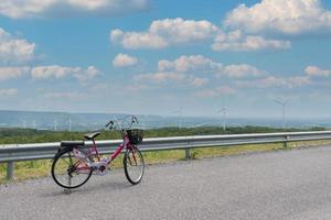 fiets op de weg foto