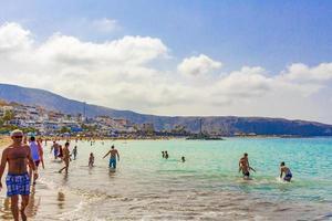 tenerife, spanje, 12 jul 2014 - mensen op het strand van playa de las vista foto
