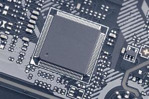 close-up van elektronische circuits op moederbordtechnologie computer foto