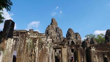 bayon tempel in angkor wat complex, siem reap cambodja foto