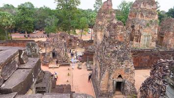 oude boeddhistische khmer-tempelarchitectuur ruïne van pre rup, siem reap foto